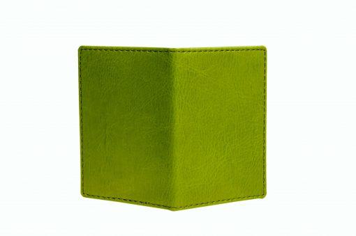 Mapje voor pasjes groen buitenzijde